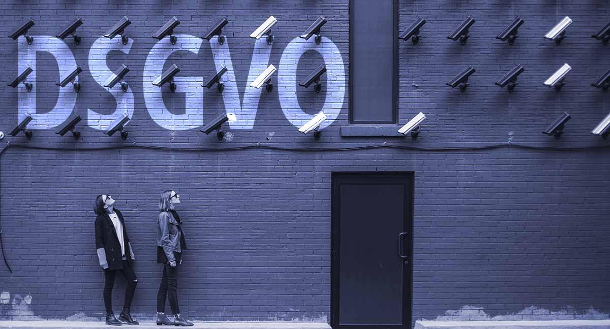 Schriftzug DSGVO auf Wand